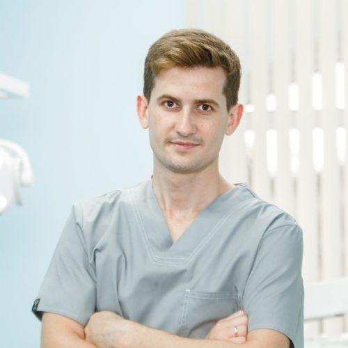 Dr. Pavlovskii Pavel - Sanelen DENT